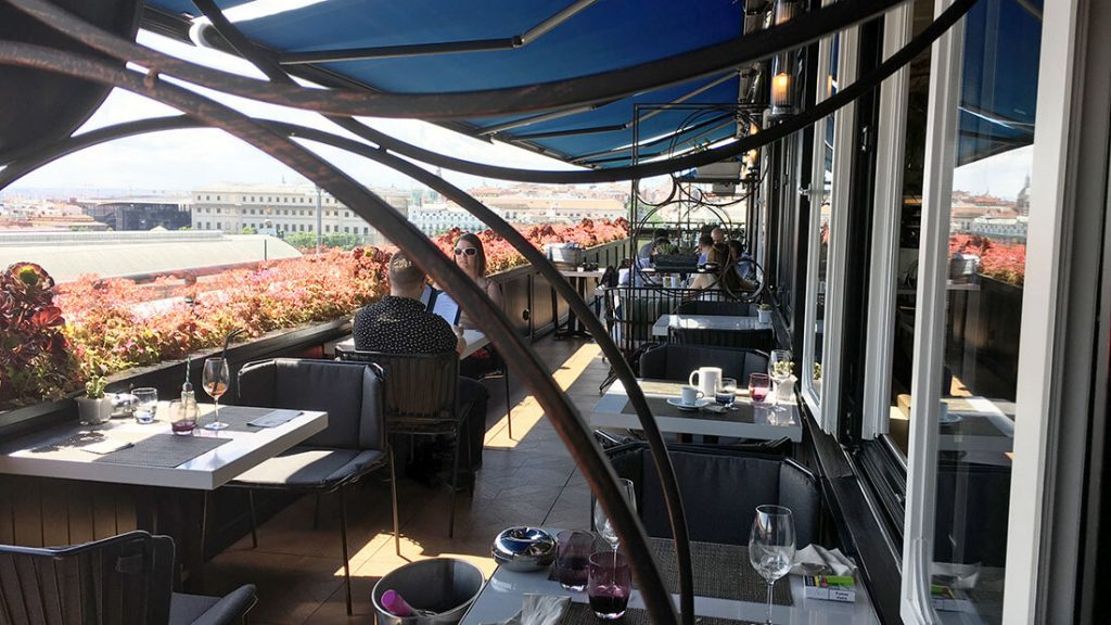 TERRAZA SEPTIMA. HOTEL ONLY YOU ATOCHA 17