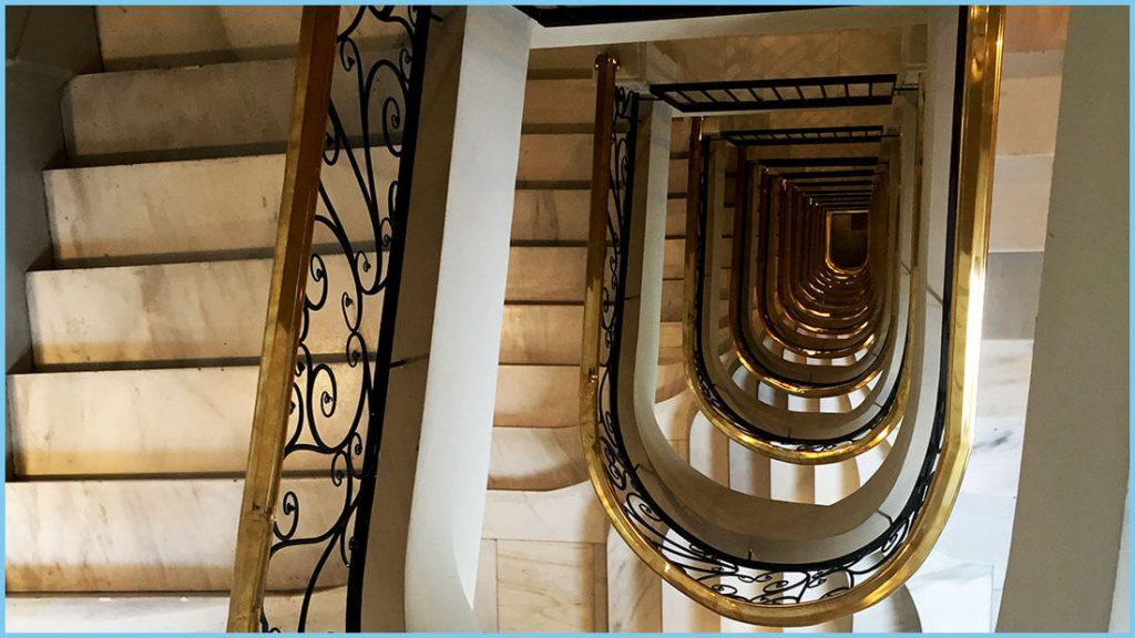 Escalera Dear Hotel