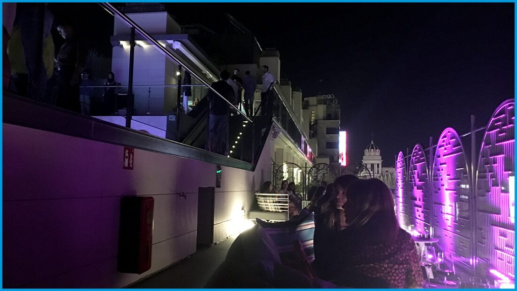Azotea nocturna Aloft