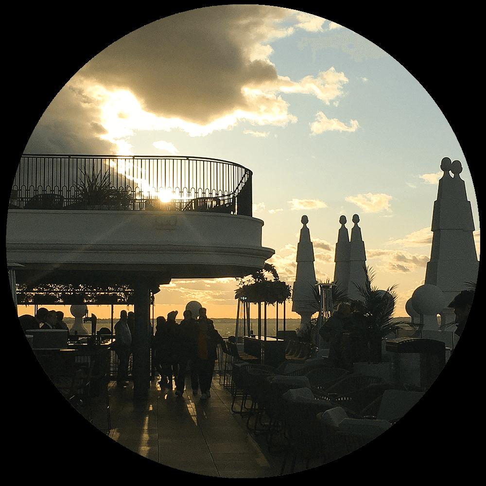 Atardecer en la terrazoa de Hotel Riu Plaza España